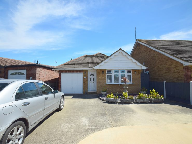 7 Hainault Avenue, Rochford, Essex, SS4 1UH
